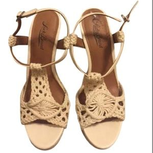 Lucky brand cream white tan crochet knit wedge 8